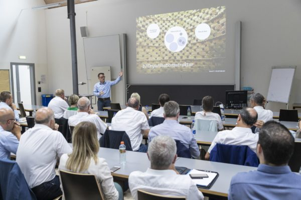Unternehmertag 2019 zu Leadership & Passion im digitalen Zeitalter, Bild aufgenommen in der Spoerry-Halle bei der Uni / Universität Liechtenstein in Vaduz am 02.07.2019  - Workshop  FOTO & COPYRIGHT: DANIEL SCHWENDENER